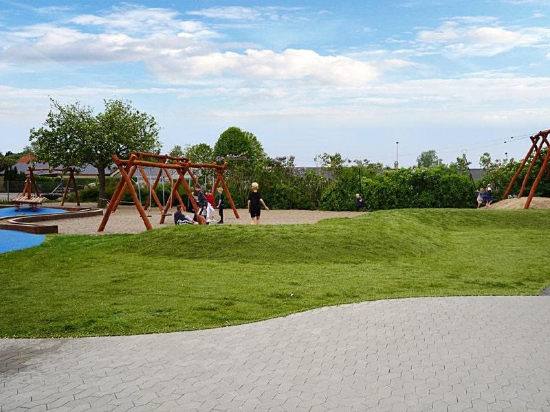 green-hybrid-32-playground