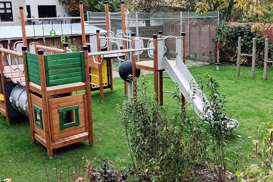 green-hybrid-grass-playground-2