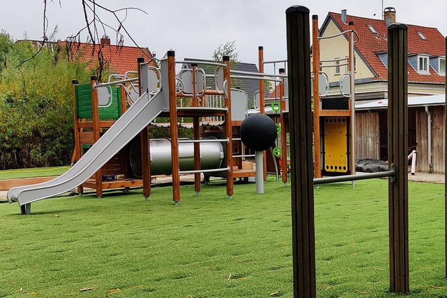 green-hybrid-grass-playground